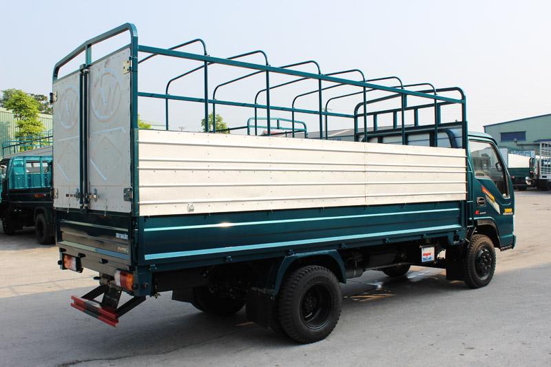 Xe tải Chiến Thắng 2.5 tấn thùng khung mui